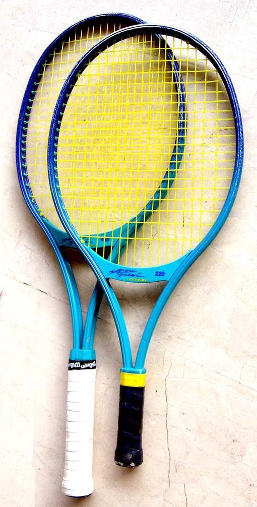 tennis-racket-1421772.jpg
